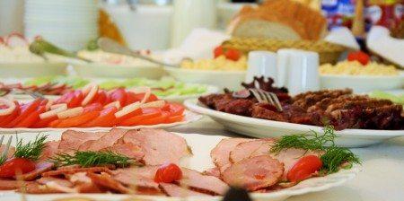 hotel-dom-polonii-ostroda-tanie-noclegi-na-mazurach-jedzenie-2-450x224 Galeria - Dom Polonii i miasto Ostróda