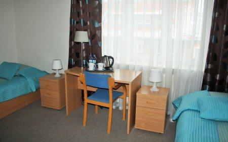 hotel-dom-polonii-ostroda-tanie-noclegi-na-mazurach-pokoje-2-450x280 Galeria - Dom Polonii i miasto Ostróda