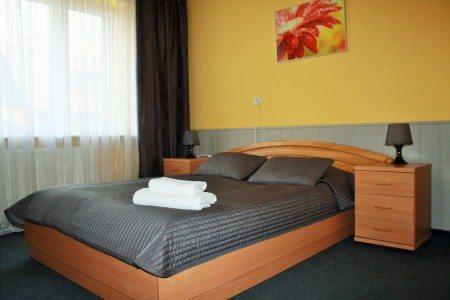 hotel-dom-polonii-ostroda-tanie-noclegi-na-mazurach-pokoje-3-450x300 Galeria - Dom Polonii i miasto Ostróda