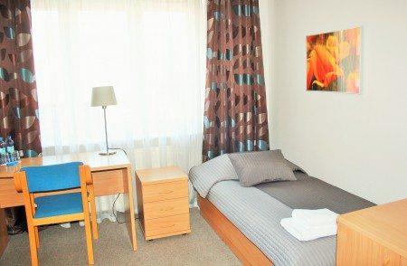 hotel-dom-polonii-ostroda-tanie-noclegi-na-mazurach-pokoje-4-450x294 Galeria - Dom Polonii i miasto Ostróda