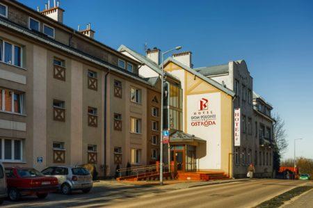 dom-polonii-wejscie-glowne-450x299 Galeria - Dom Polonii i miasto Ostróda