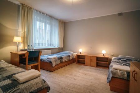 pokoj-ekonomiczny-3os.-450x299 Galeria - Dom Polonii i miasto Ostróda