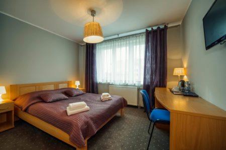 pokoj-standard-loze-nr1-450x300 Galeria - Dom Polonii i miasto Ostróda