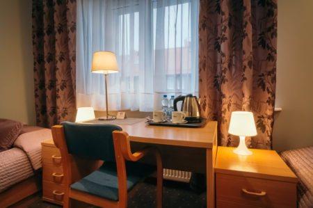 pokoj-standard-zestaw-kawowy-450x299 Galeria - Dom Polonii i miasto Ostróda